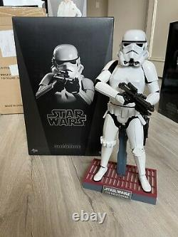 Hot Toys MMS267 Stormtrooper Sixth Scale Figure Episode IV A New Hope
