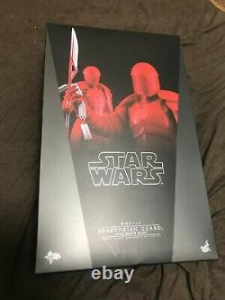 Hot Toys Mms453 Praetorian Guard With Heavy Blade 1/6 Scale Collectible Figure