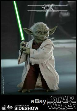 Hot Toys Star Wars Attack of the Clones MMS495 1/6 Scale Yoda Figure