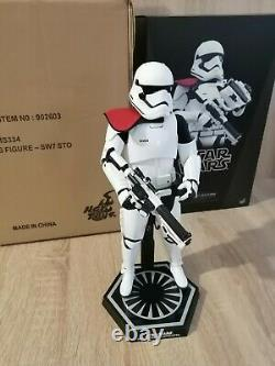 Hot Toys Star Wars First Order Stormtrooper Officer 1/6 Scale Figure MMS334