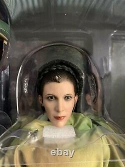 Hot Toys Star Wars Princess Leia & Wicket 1/6 Scale Collectible Figure (MMS551)