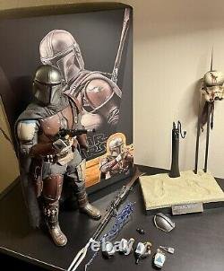 Hot Toys Star Wars The Mandalorian 1/6th Scale TMS007 Figure Adult Collector Toy