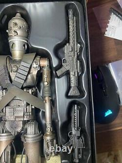 Hot Toys Star Wars The Mandalorian IG-11 1/6th Scale Collectible Figure