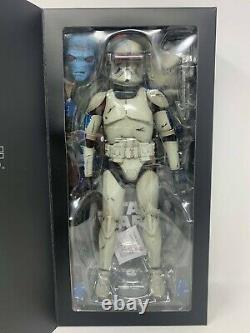 Sideshow Collectibles Star Wars CADE BANE IN DENAL DISGUISE Sixth Scale Figure