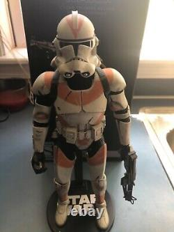 Sideshow Collectibles Star Wars Deluxe 212th Clone Trooper Sixth Scale Figure