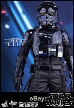 Sideshow Hot Toys STAR WARS FIRST ORDER TIE PILOT 1/6 Scale Figure 902555