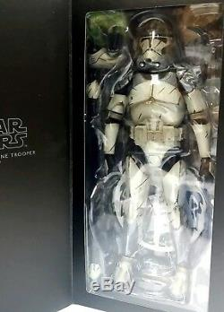 Sideshow Star Wars Wolfpack 104th Clone Trooper 1/6 Scale Figure Exclusive