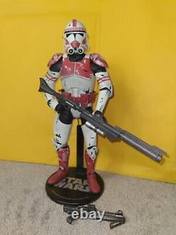 Star Wars Clone Wars Sideshow Collectibles 12 1/6 Scale Clone Shock Trooper