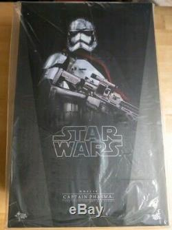 Star Wars Hot Toys CAPTAIN PHASMA MMS328 1/6 Scale 12 Figure Force Awakens NEW